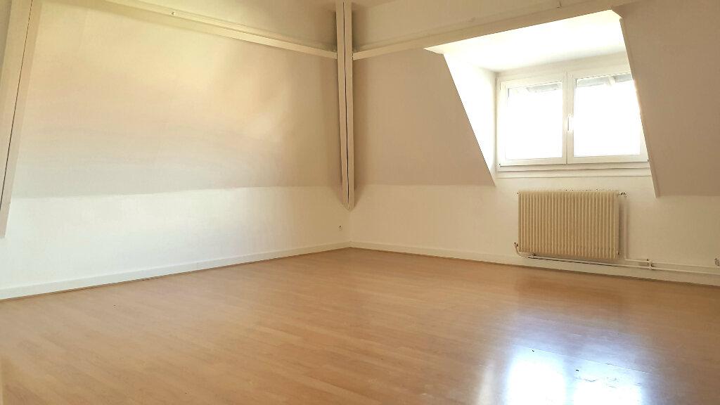 Appartement à louer 3 66.7m2 à Tourcoing vignette-1