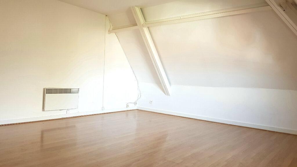 Appartement à louer 3 66.7m2 à Tourcoing vignette-2