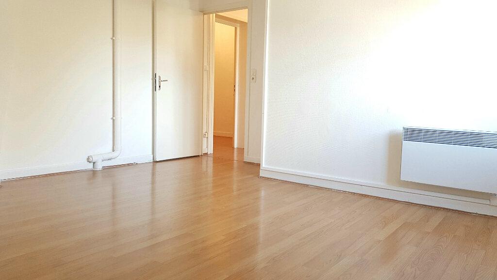 Appartement à louer 3 66.7m2 à Tourcoing vignette-5