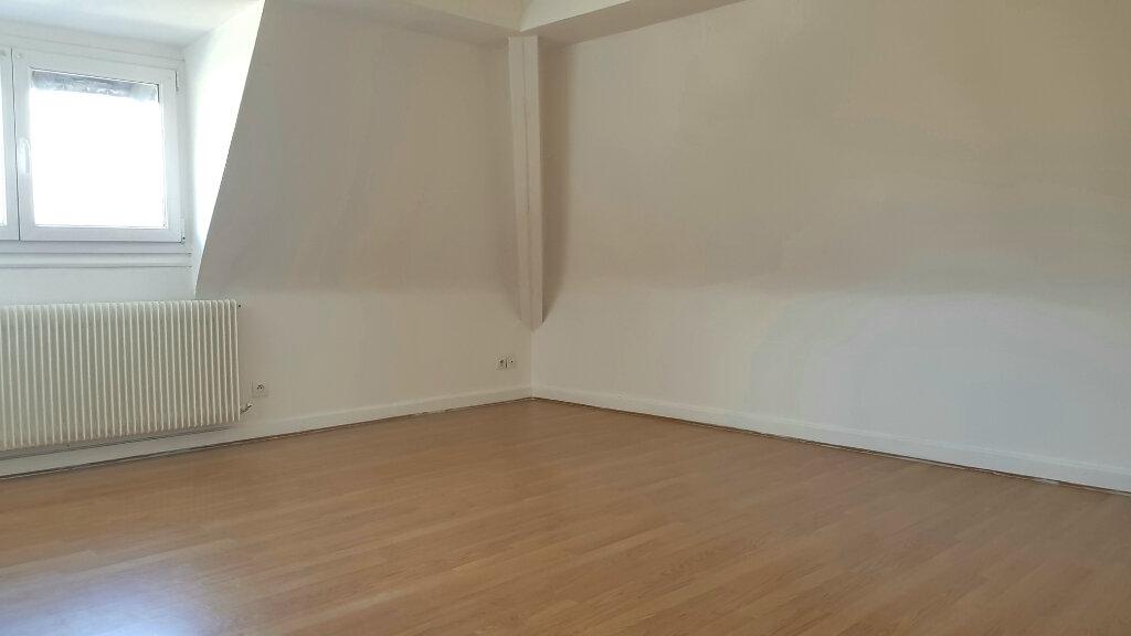 Appartement à louer 3 66.7m2 à Tourcoing vignette-6