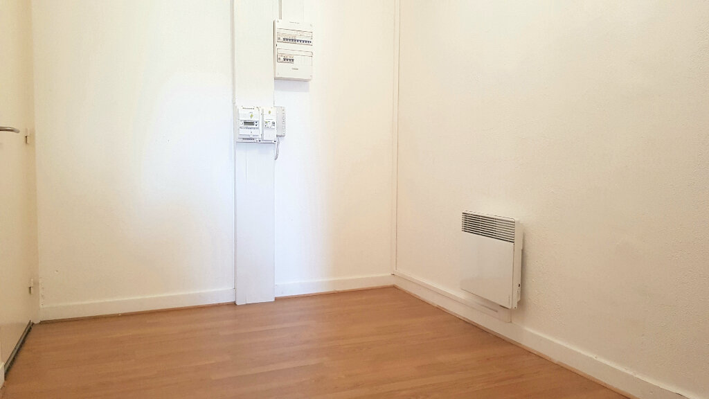 Appartement à louer 3 66.7m2 à Tourcoing vignette-10