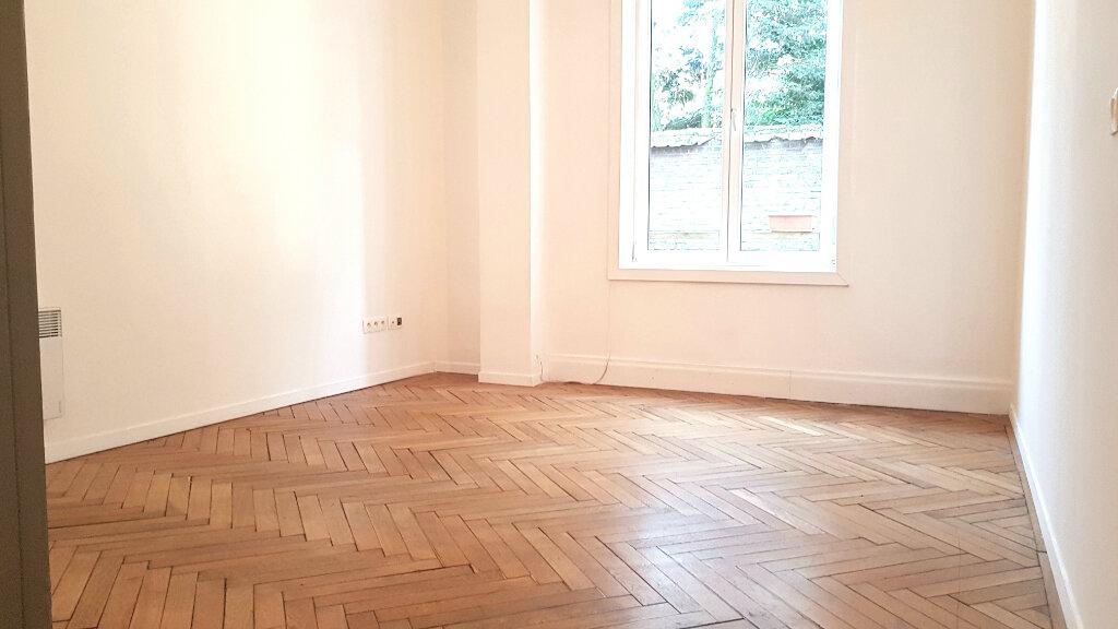 Appartement à louer 1 26m2 à Tourcoing vignette-1
