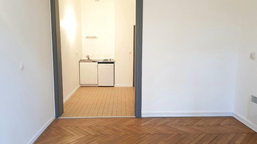 Appartement à louer 1 26m2 à Tourcoing vignette-2