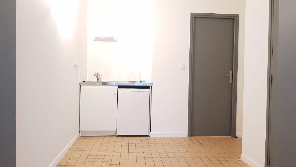 Appartement à louer 1 26m2 à Tourcoing vignette-3