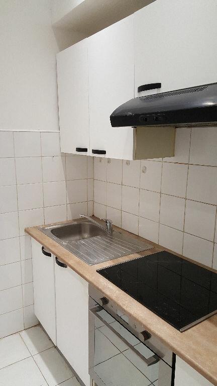 Appartement à louer 3 48.31m2 à Lille vignette-2