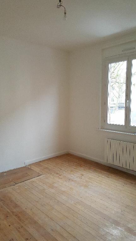 Appartement à louer 3 48.31m2 à Lille vignette-3