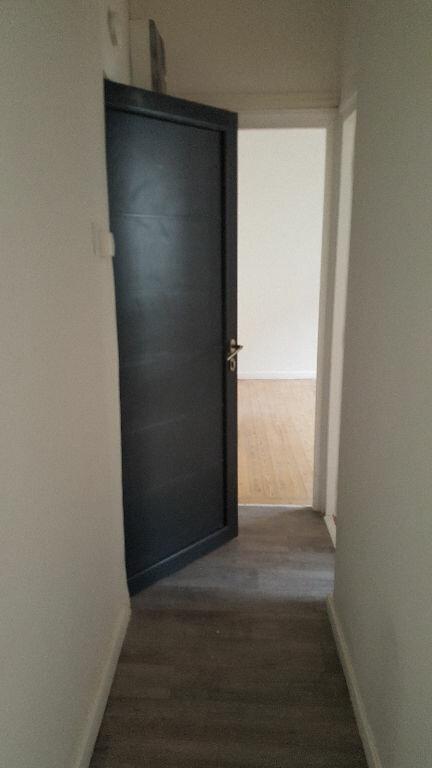 Appartement à louer 3 48.31m2 à Lille vignette-9