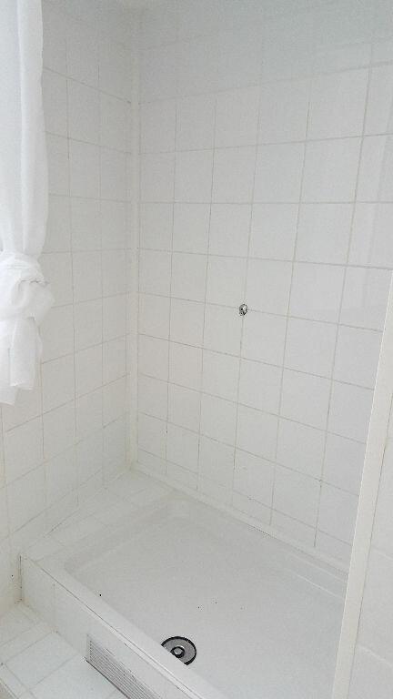 Appartement à louer 3 48.31m2 à Lille vignette-11