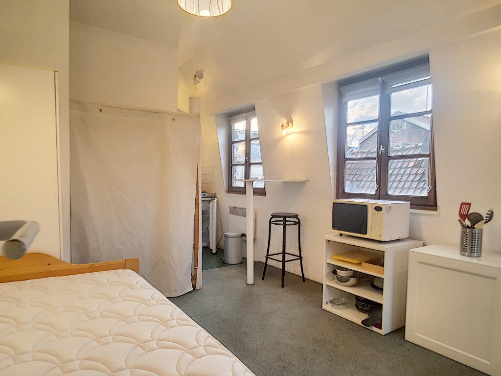 Appartement à louer 1 18.87m2 à Lille vignette-1