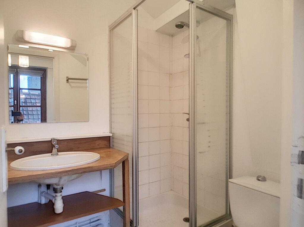 Appartement à louer 1 18.87m2 à Lille vignette-3
