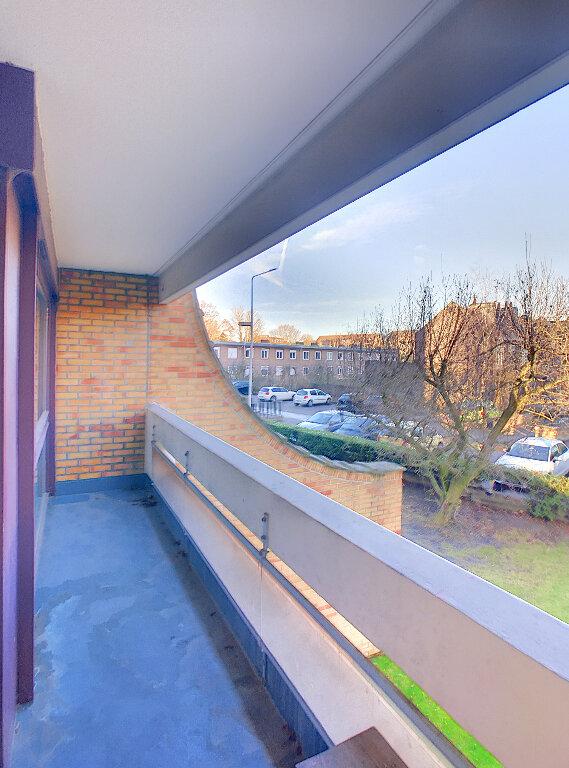 Appartement à louer 3 73.5m2 à Lille vignette-3