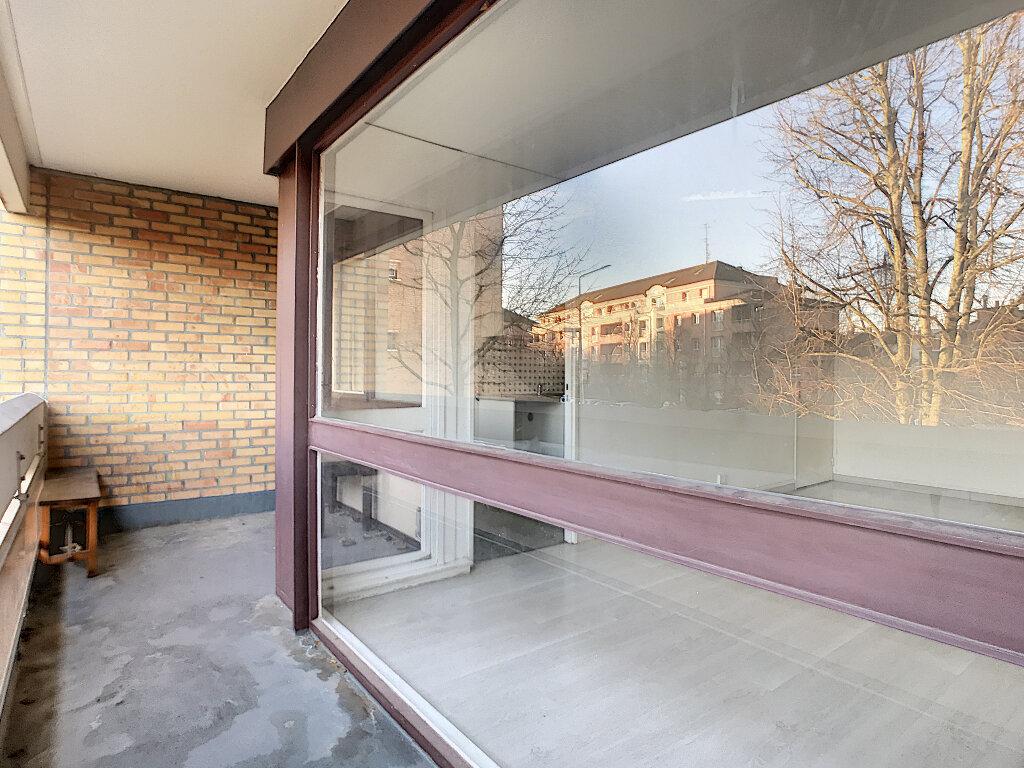 Appartement à louer 3 73.5m2 à Lille vignette-4