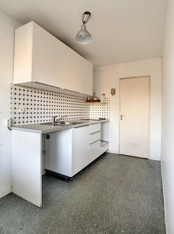 Appartement à louer 3 73.5m2 à Lille vignette-5