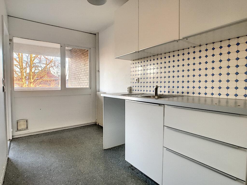Appartement à louer 3 73.5m2 à Lille vignette-6