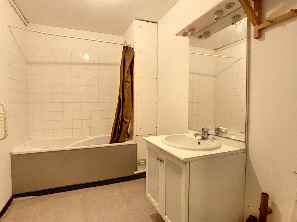 Appartement à louer 3 73.5m2 à Lille vignette-7