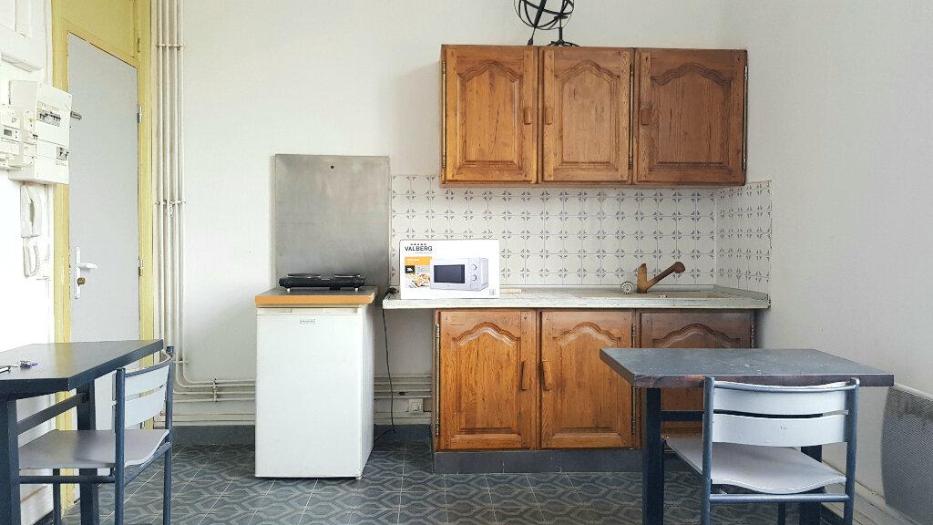 Appartement à louer 1 14m2 à Tourcoing vignette-3