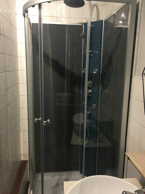 Appartement à louer 2 31m2 à Lille vignette-8