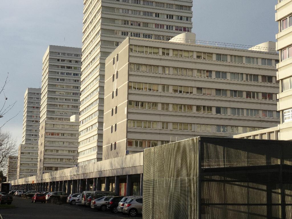 Stationnement à louer 0 0m2 à Mons-en-Baroeul vignette-3
