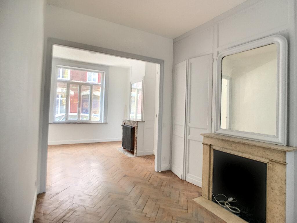 Appartement à louer 2 52m2 à Lille vignette-2