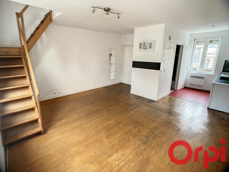 Appartement à louer 3 44.1m2 à Lille vignette-2