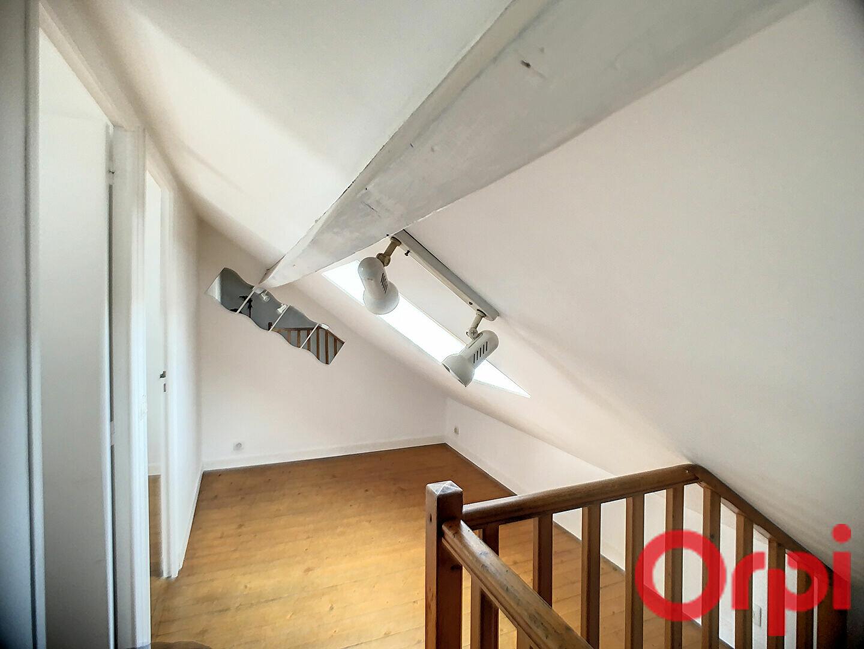 Appartement à louer 3 44.1m2 à Lille vignette-5