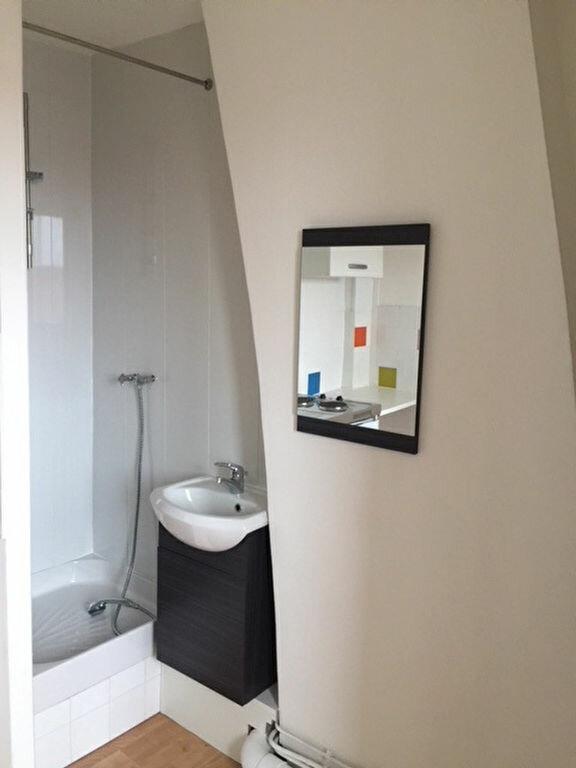 Appartement à louer 1 10.01m2 à Lille vignette-3