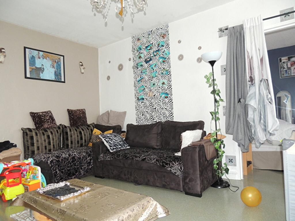 Appartement à vendre 4 79.88m2 à Tourcoing vignette-1