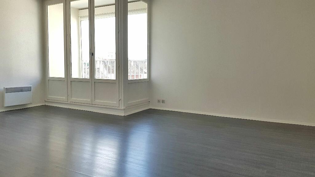 Appartement à louer 1 34.47m2 à Lille vignette-2