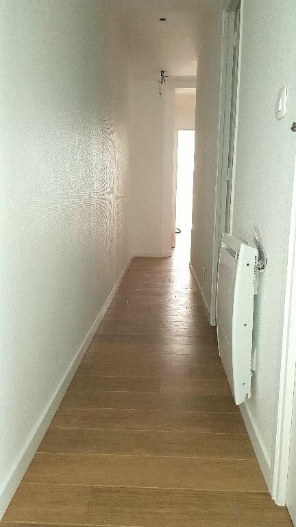 Appartement à louer 3 58m2 à Faches-Thumesnil vignette-4
