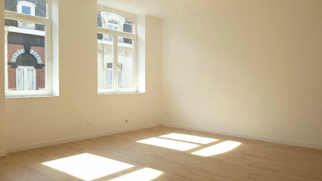 Appartement à louer 3 55m2 à Faches-Thumesnil vignette-2