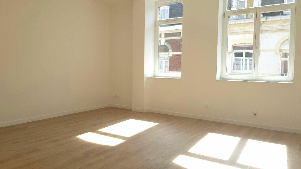 Appartement à louer 3 55m2 à Faches-Thumesnil vignette-3