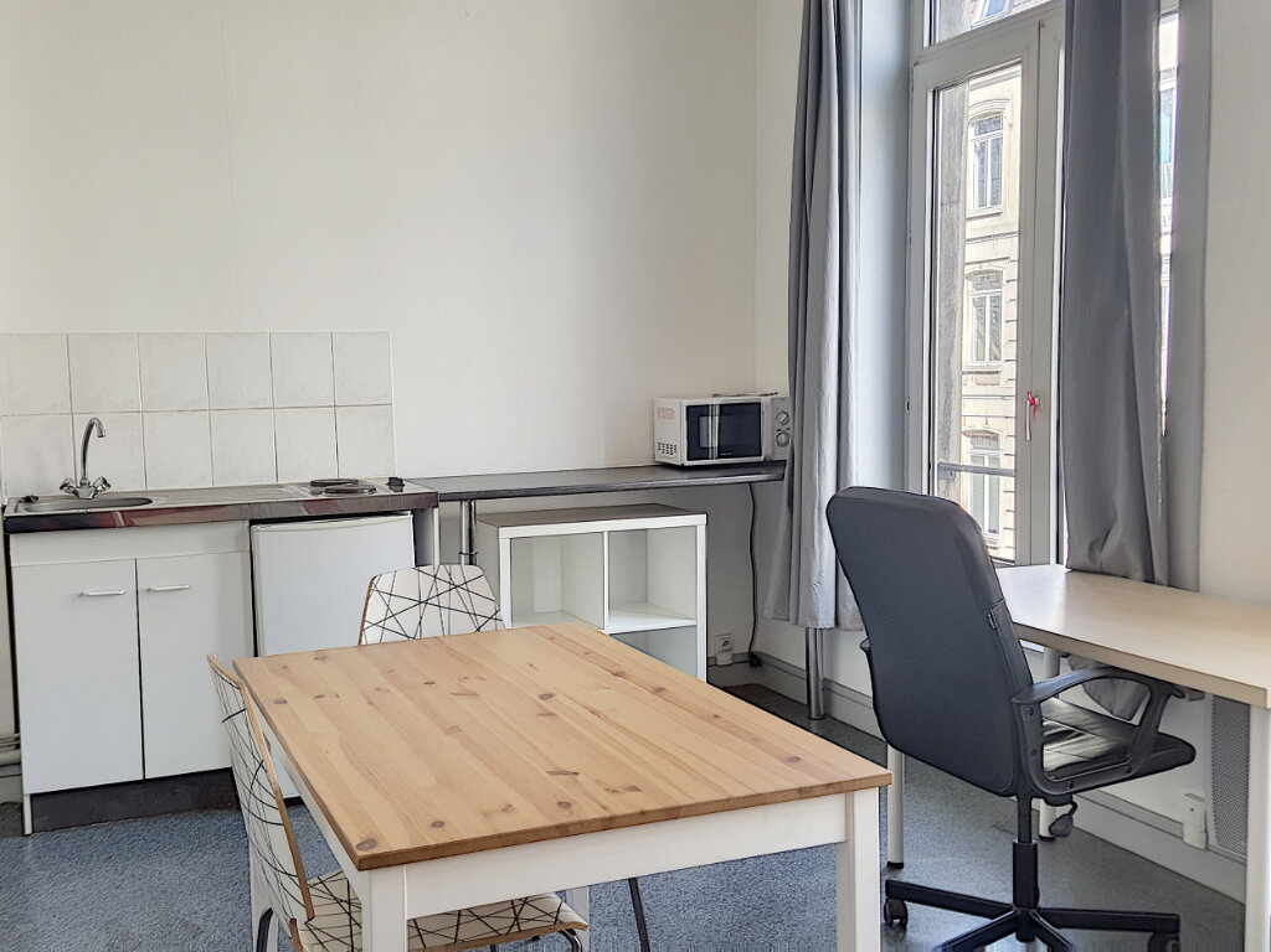 Appartement à louer 1 22.5m2 à Lille vignette-2