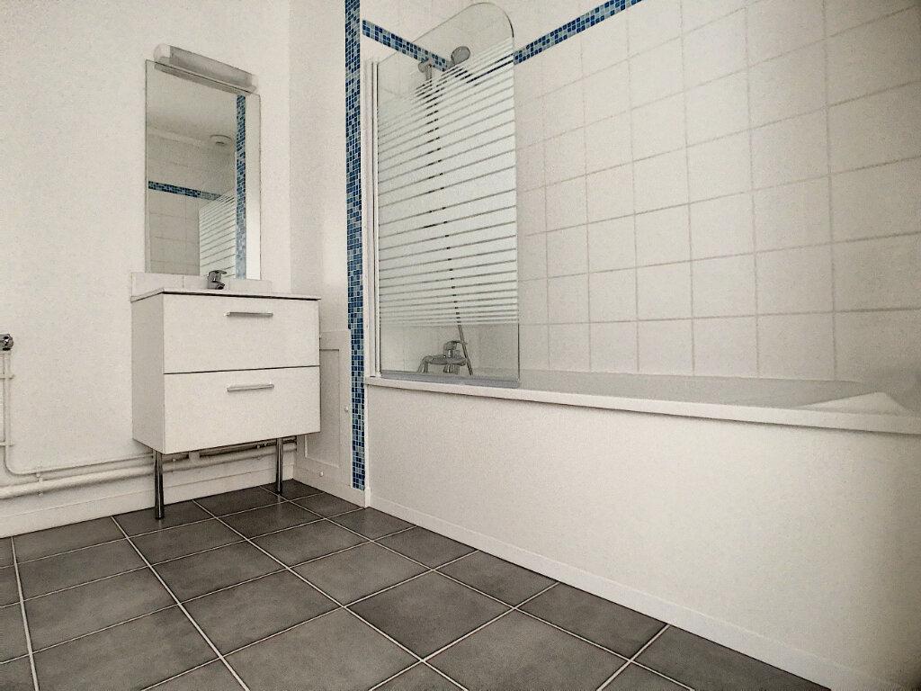 Appartement à vendre 3 60m2 à Tourcoing vignette-5