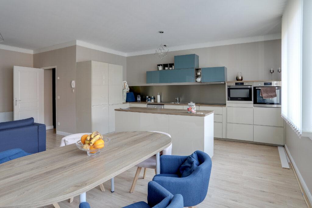 Appartement à vendre 3 68.7m2 à Tourcoing vignette-1