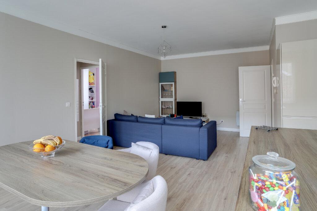 Appartement à vendre 3 68.7m2 à Tourcoing vignette-2