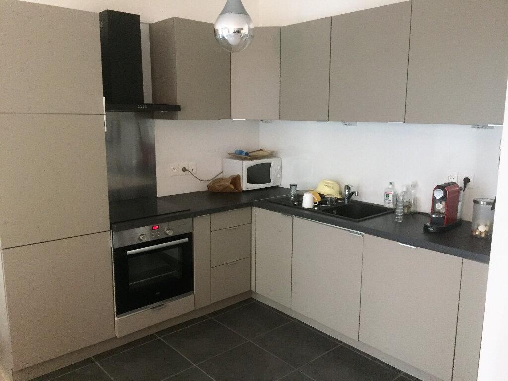 Appartement à vendre 3 67.51m2 à Lille vignette-2
