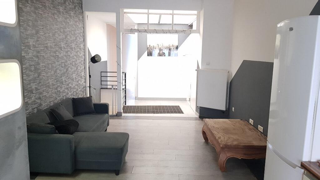 Appartement à louer 2 53.5m2 à Tourcoing vignette-2