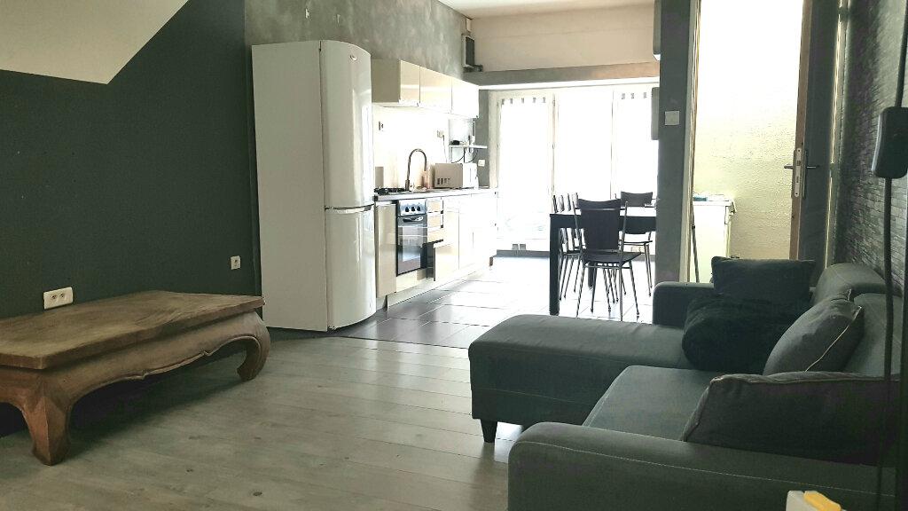 Appartement à louer 2 53.5m2 à Tourcoing vignette-3