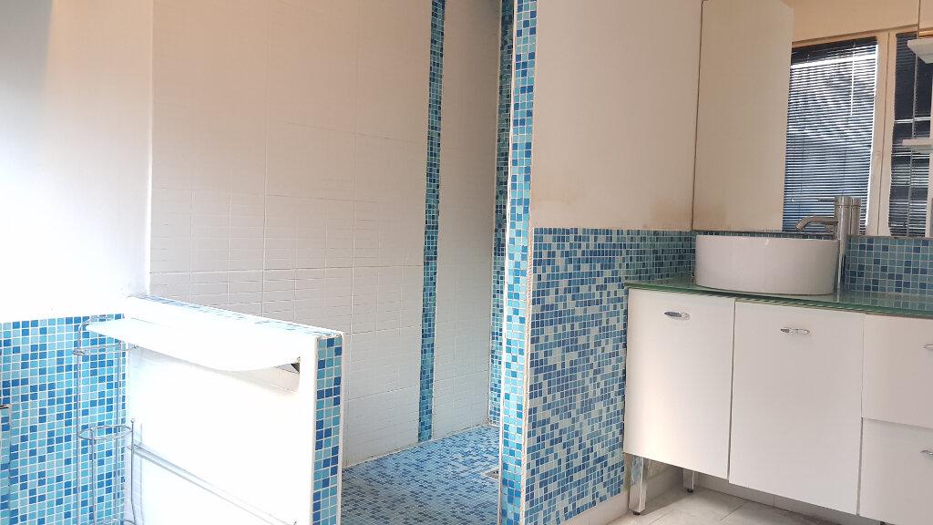 Appartement à louer 2 53.5m2 à Tourcoing vignette-6
