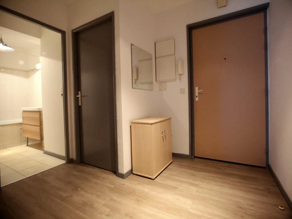 Appartement à louer 1 37.75m2 à Lille vignette-4