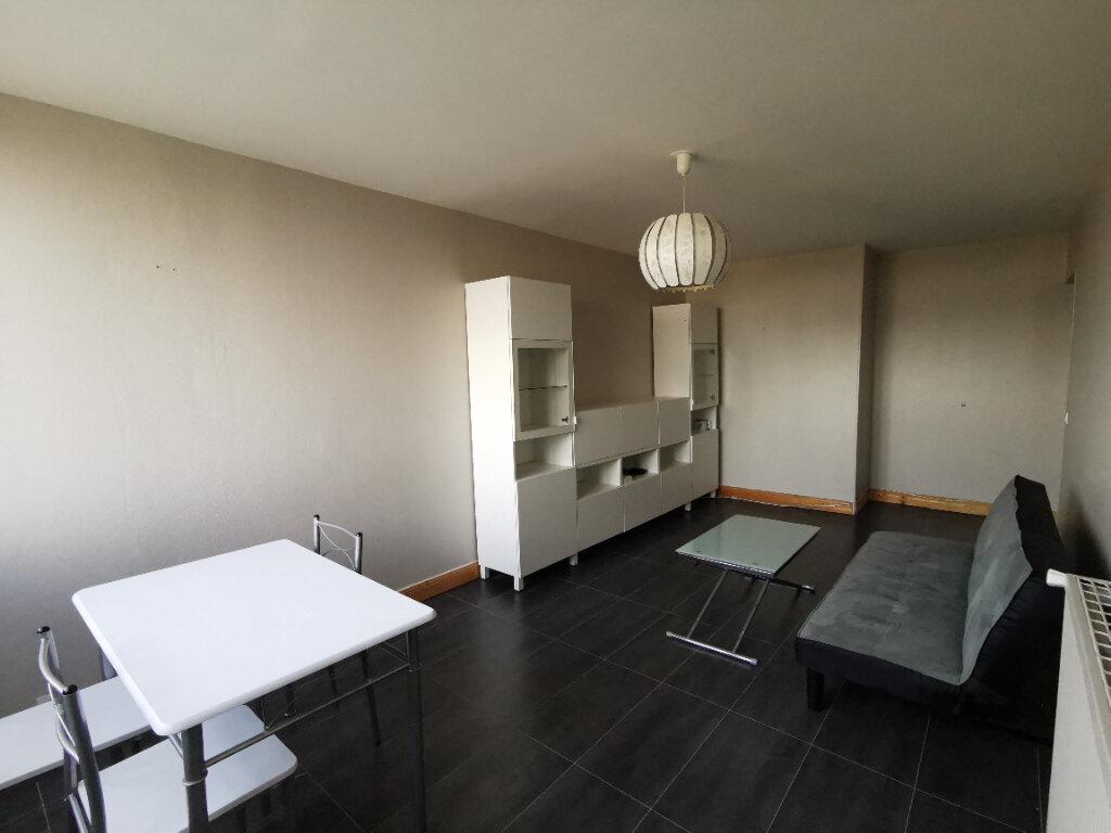 Appartement à louer 2 58.38m2 à Mons-en-Baroeul vignette-2