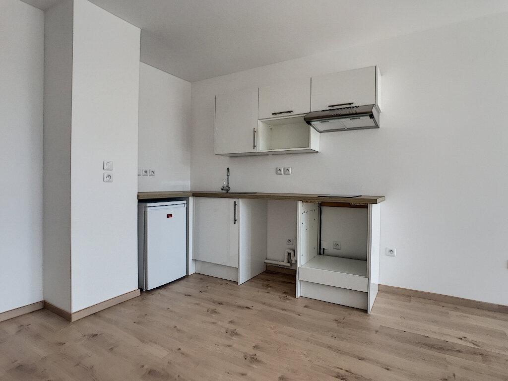 Appartement à louer 2 45.4m2 à Marcq-en-Baroeul vignette-3
