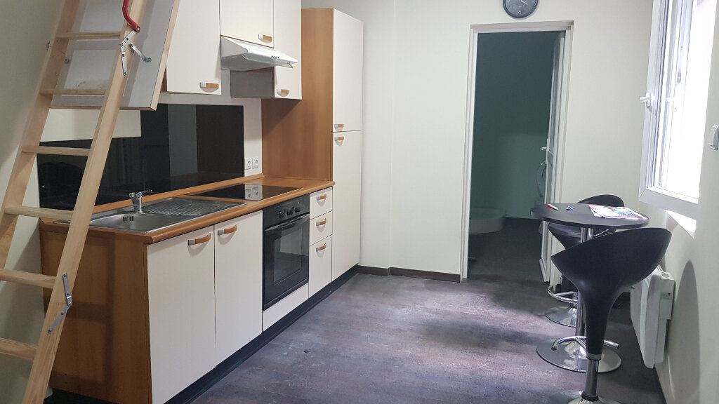 Appartement à louer 1 25m2 à Roubaix vignette-1
