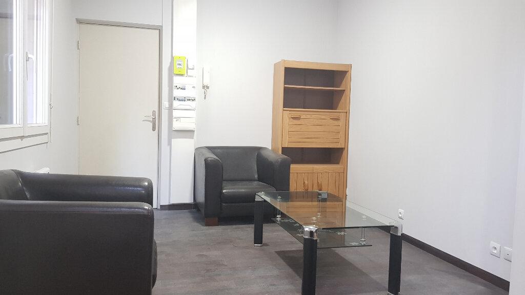 Appartement à louer 1 25m2 à Roubaix vignette-2