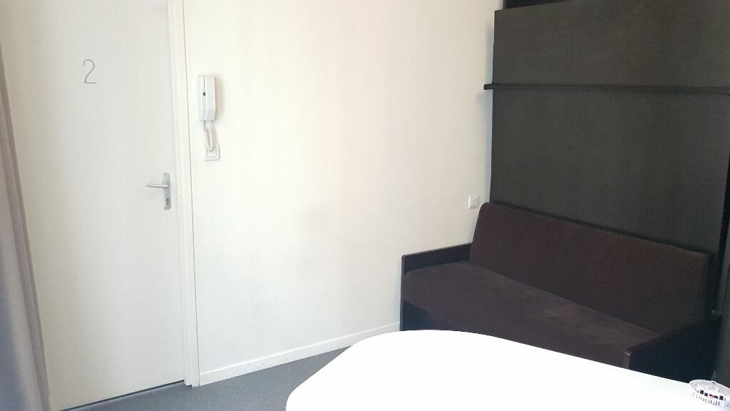 Appartement à louer 1 11.38m2 à Lille vignette-4