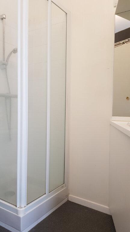 Appartement à louer 1 11.38m2 à Lille vignette-5