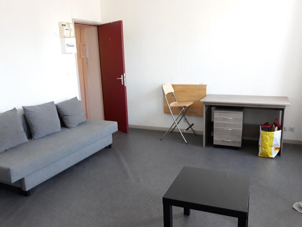 Appartement à louer 1 20m2 à Roubaix vignette-1