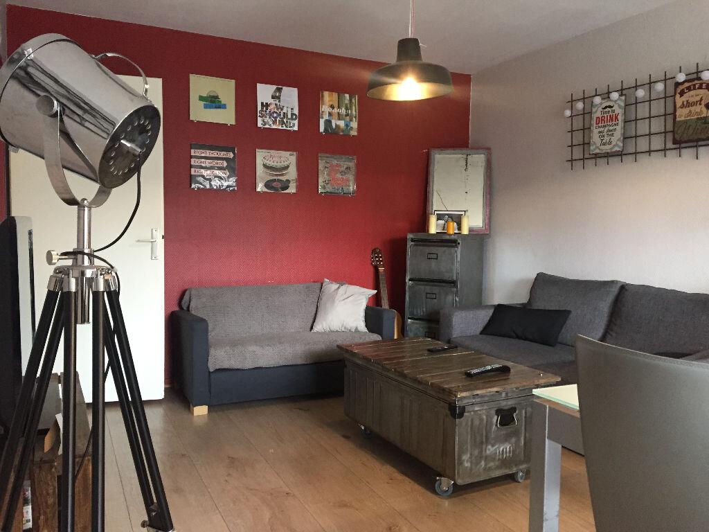 Appartement à vendre 3 70.03m2 à Lille vignette-3