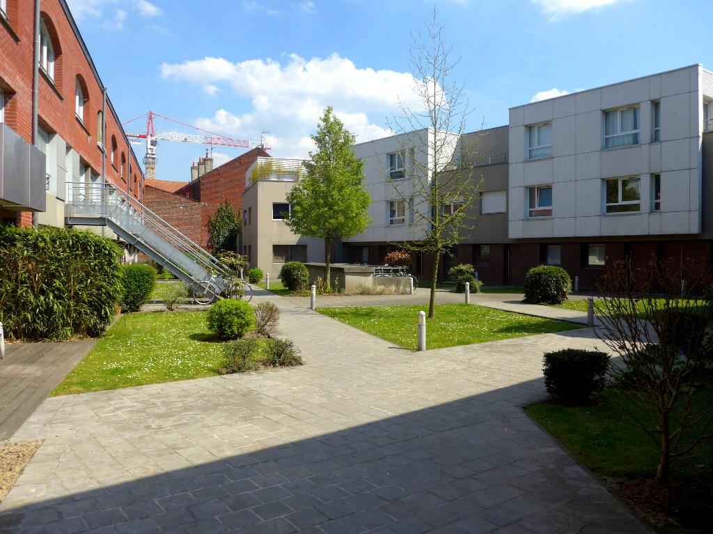 Appartement à louer 2 38.14m2 à Lille vignette-1