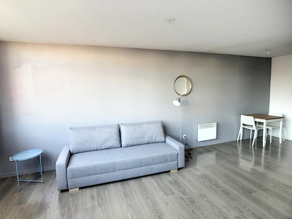 Appartement à louer 2 38.14m2 à Lille vignette-3